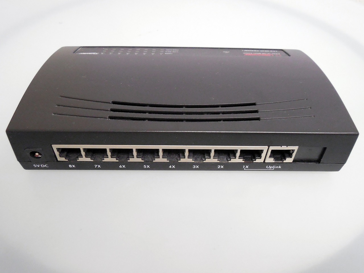router-670079_1280